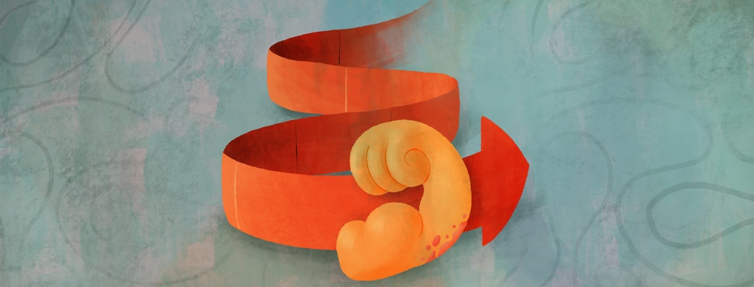 A flexing arm, with psoriasis on its elbow, in front of an orange curved timeline-like arrow.
